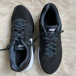 Nike Downshifter 6 Men's sneakers
